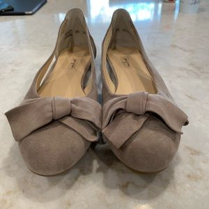 Paul Green suede flats. Size 9.5 NWOT
